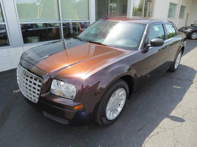2005 Chrysler 300 for sale in TOLEDO OH