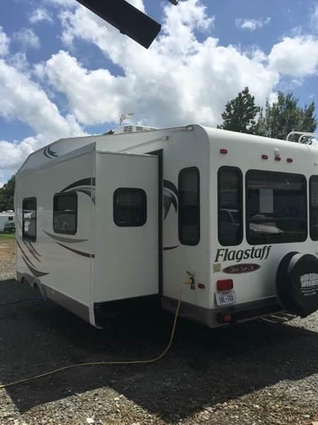 2011 Flagstaff 5th wheel m8528rlws wheel t/t - Marshall TX