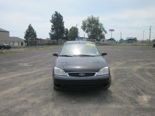 2005 FORD FOCUS ZX4 S 4DR SEDAN 2005 we take trade-ins of all shapes and sizes paid for or not w