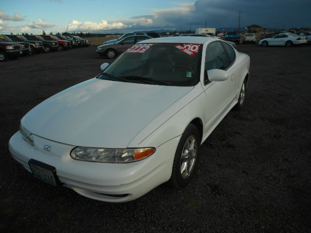 2000 OLDSMOBILE ALERO GLS COUPE white we take trade-ins of all shapes and sizes paid for or not