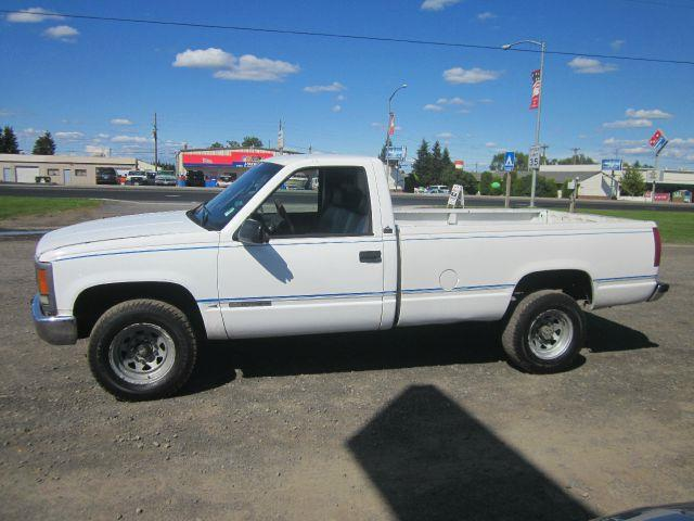 1995 GMC SIERRA white we take trade-ins of all shapes and sizes paid for or not we finance we a