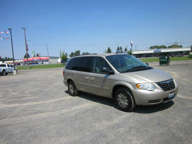 2006 CHRYSLER TOWN AND COUNTRY LX 4DR EXT MINIVAN 2006 we take trade-ins of all shapes and sizes