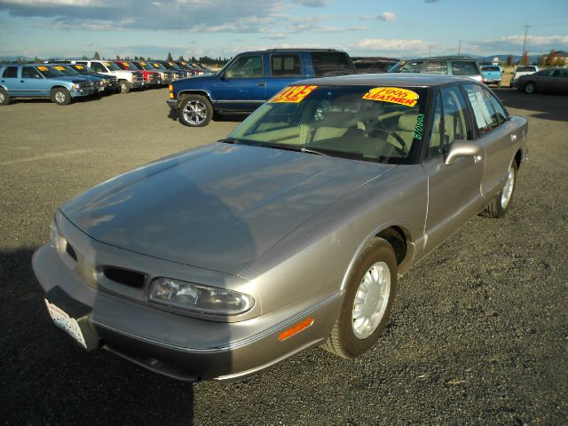 1997 OLDSMOBILE EIGHTY EIGHT LS gold we take trade-ins of all shapes and sizes paid for or not w