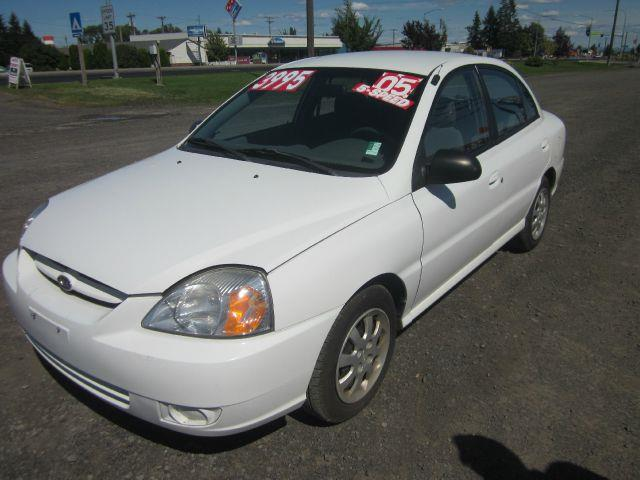 2005 KIA RIO BASE 4DR SEDAN 2005 we take trade-ins of all shapes and sizes paid for or not we fi