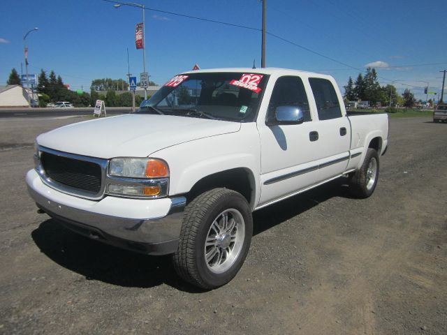 2002 GMC SIERRA 1500HD SLT 4DR CREW CAB 2WD SB 2002 we take trade-ins of all shapes and sizes pai