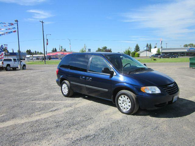 2005 CHRYSLER TOWN AND COUNTRY 2005 we take trade-ins of all shapes and sizes paid for or not we