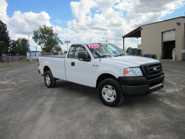 2005 FORD F-150 XL 2DR REGULAR CAB 4WD STYLESIDE 2005 we take trade-ins of all shapes and sizes p