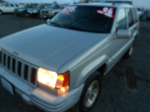 1996 JEEP GRAND CHEROKEE ORVIS 4WD silver we take trade-ins of all shapes and sizes paid for or n