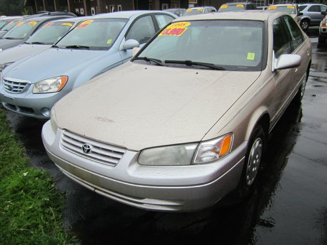1998 TOYOTA CAMRY CE gold we take trade-ins of all shapes and sizes paid for or not we finance