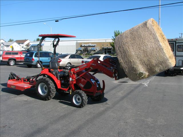 2014 T Y M T233 23hp tractor