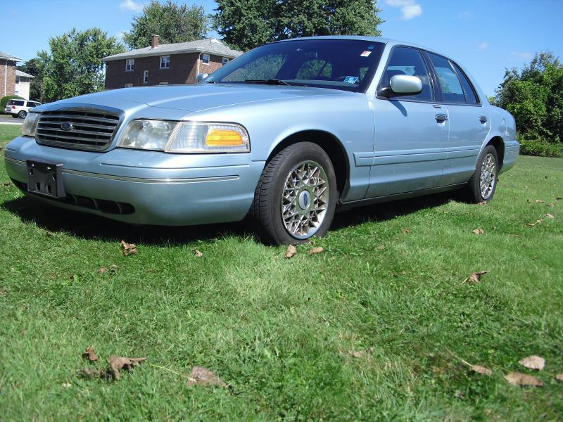 2002 FORD Crown Victoria