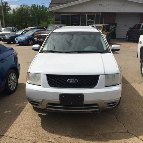 Vehicle Options & 2007 Ford Freestyle SEL 4dr Wagon In Topeka KS - Ol Mac Motors Inc Pezcame.Com