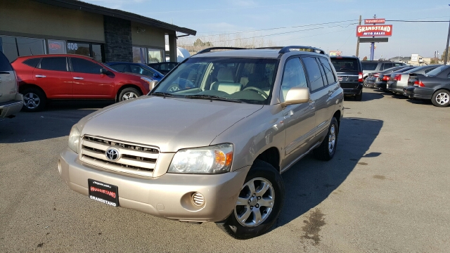 2005 toyota highlander base fwd 4dr suv v6 w 3rd row in kennewick wa grandstand auto sales. Black Bedroom Furniture Sets. Home Design Ideas