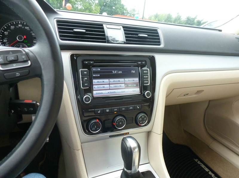 2013 volkswagen passat se pzev 4dr sedan 6a w sunroof and for Ideal motors maryville tn