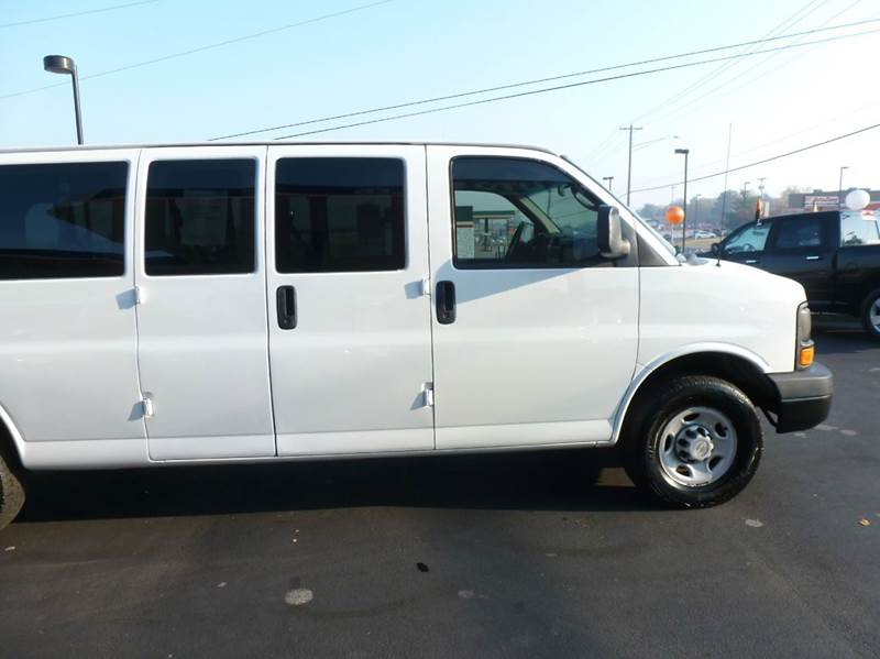 2007 chevrolet express passenger ls 3500 3dr extended for Ideal motors maryville tn