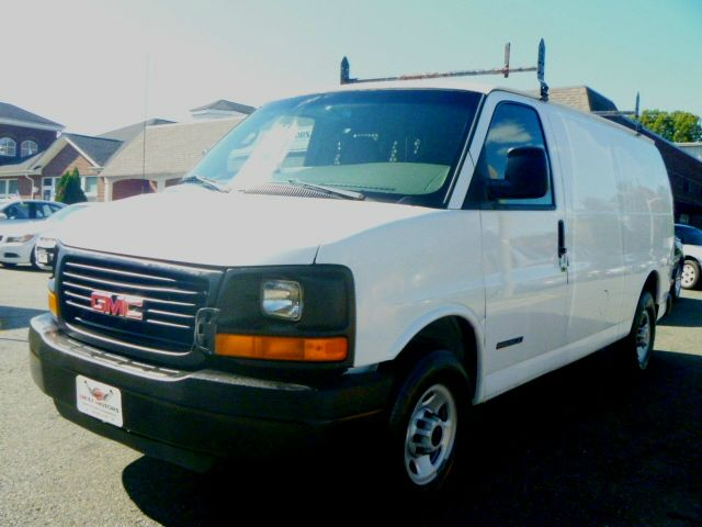 2005 GMC Savana Cargo