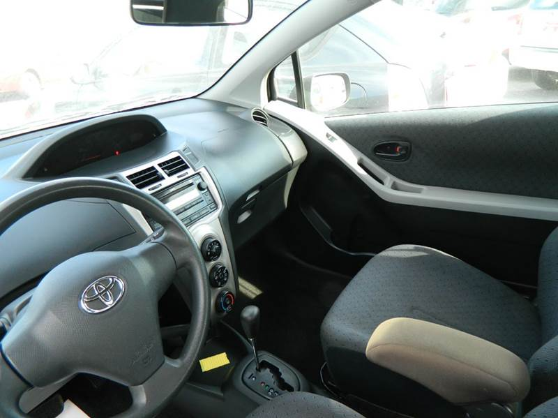 2010 Toyota Yaris 2dr Hatchback 4A - Fort Worth TX
