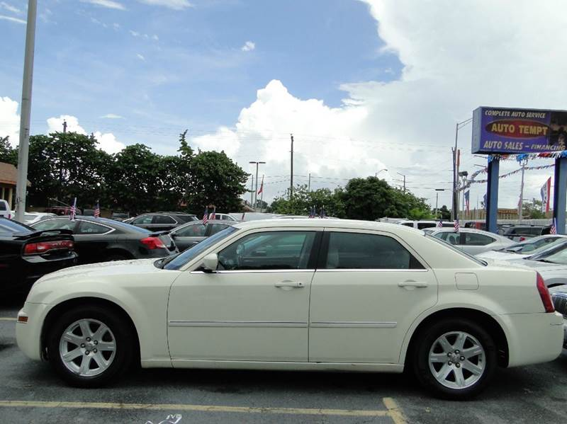 2006 chrysler 300 touring 4dr sedan in miami fl auto. Cars Review. Best American Auto & Cars Review