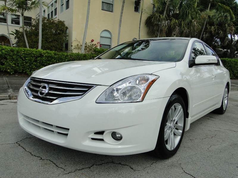 2012 nissan altima 3 5 sr 4dr sedan in miami fl auto. Black Bedroom Furniture Sets. Home Design Ideas