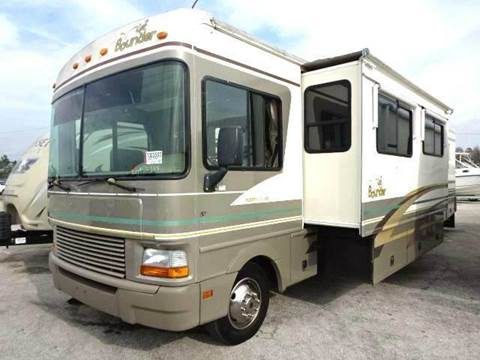 2000 Fleetwood Bounder 36 Foot