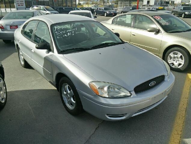 Used Cars in Las Vegas 2005 Ford Taurus