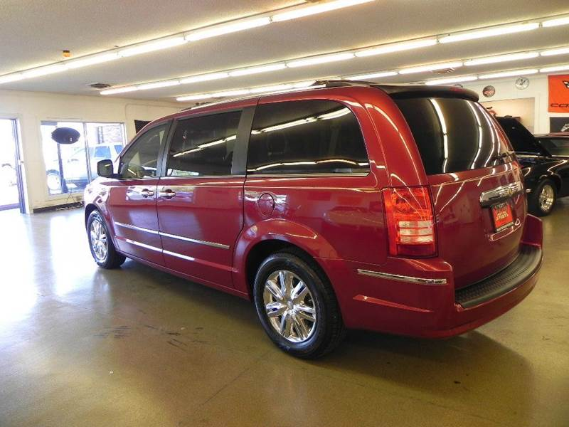 2010 Chrysler Town and Country Limited 4dr Mini-Van w/28Y - Mt. Zion IL
