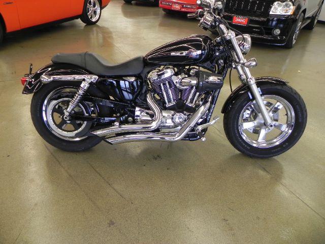 2011 Harley-Davidson Sportster 1200 C