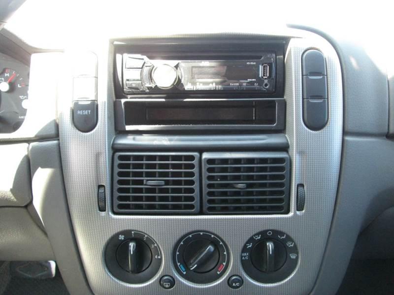 2005 Ford Explorer XLT 4dr SUV - Waterford MI