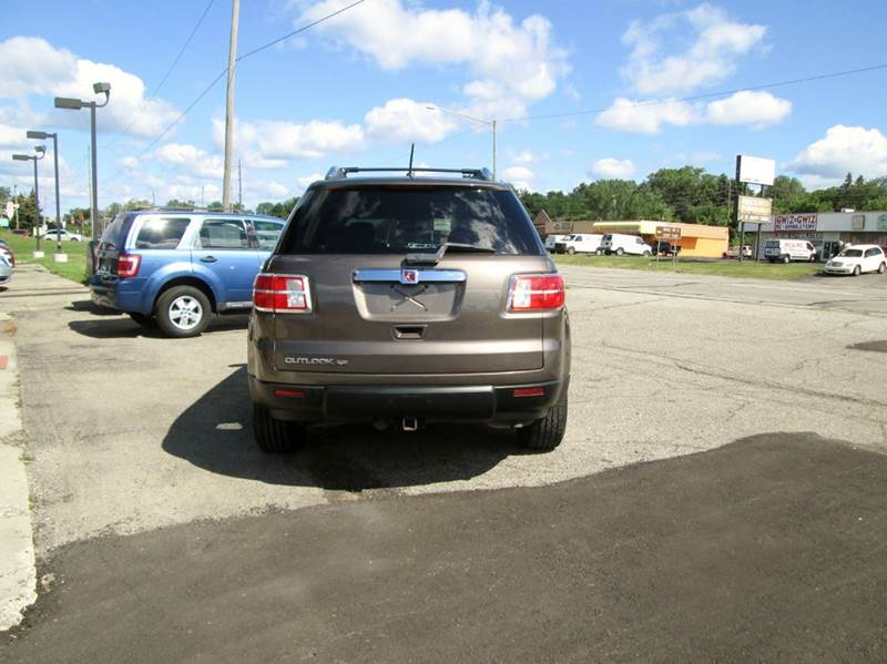 2008 Saturn Outlook XE 4dr SUV - Waterford MI