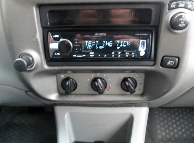 2003 Ford Explorer Sport Trac 4dr XLT Crew Cab SB RWD - Waterford MI