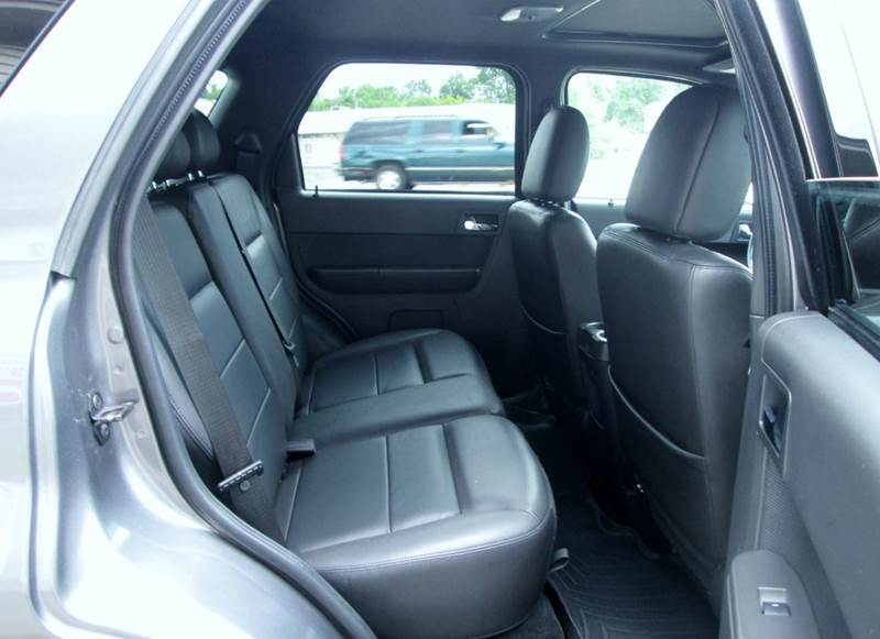 2009 Ford Escape AWD Limited 4dr SUV V6 - Waterford MI