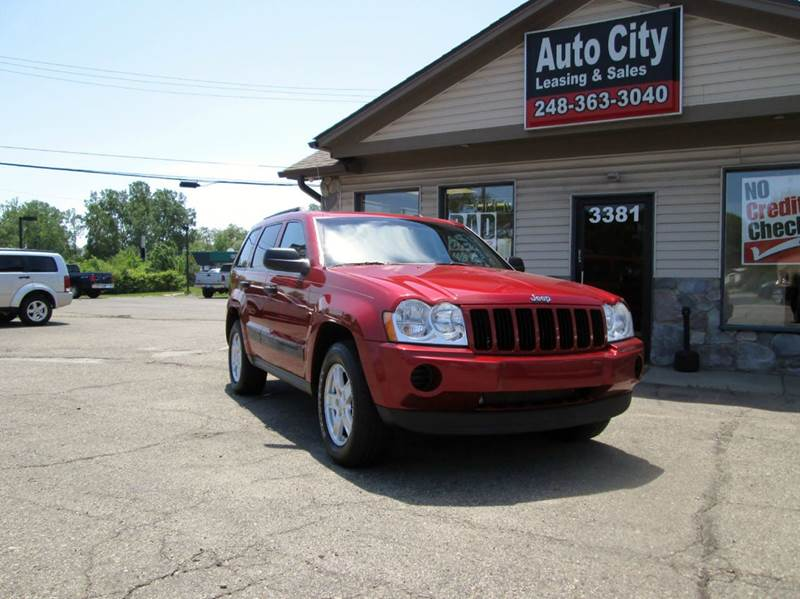 2006 Jeep Grand Cherokee Laredo 4dr SUV 4WD w/ Front Side Airbags - Waterford MI