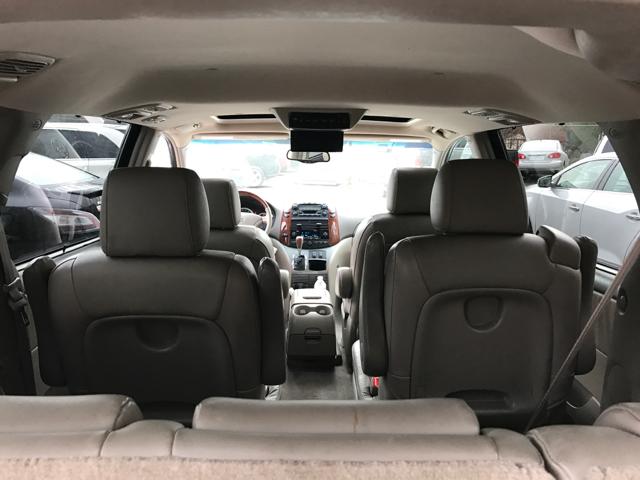 2005 Toyota Sienna XLE Limited 7 Passenger AWD 4dr Mini Van   Westport MA