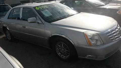 2008 Cadillac DTS for sale in Roseville, MI
