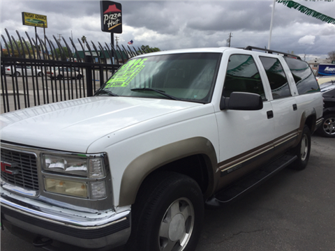 1998 GMC Suburban for sale in Bakersfiled, CA