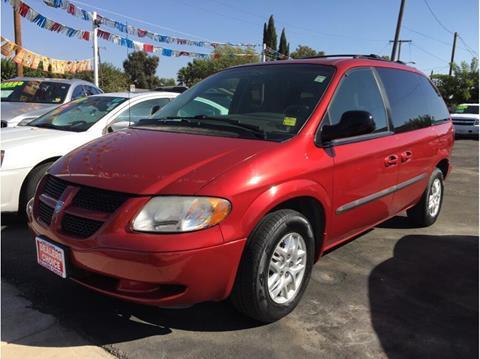 2002 Dodge Caravan for sale in Farmersville, CA