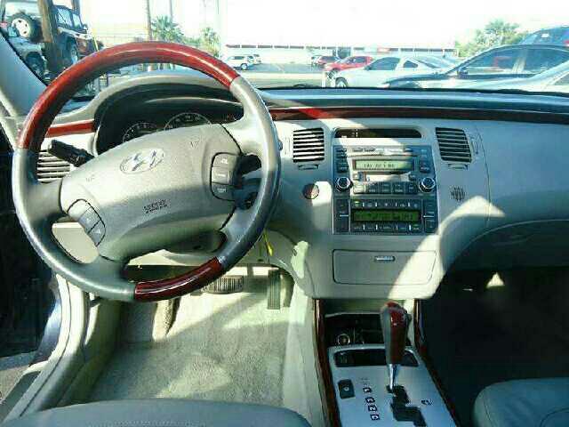 2006 Hyundai Azera Limited 4dr Sedan - Mesa AZ