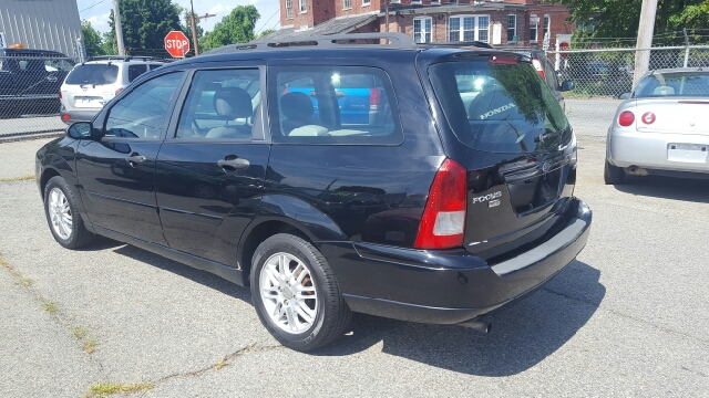 2005 Ford Focus ZXW SES 4dr Wagon - Lowell MA