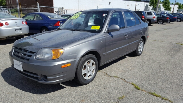 2005 Hyundai Accent GLS 4dr Sedan - Lowell MA