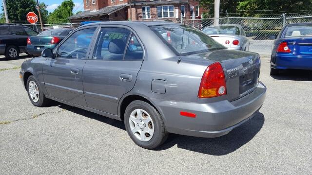 2005 Hyundai Accent GLS 4dr Sedan - Lowell MA