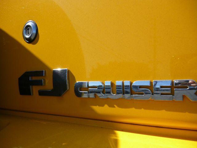 2007 Toyota FJ Cruiser 2WD Convertible - Santa Ana CA