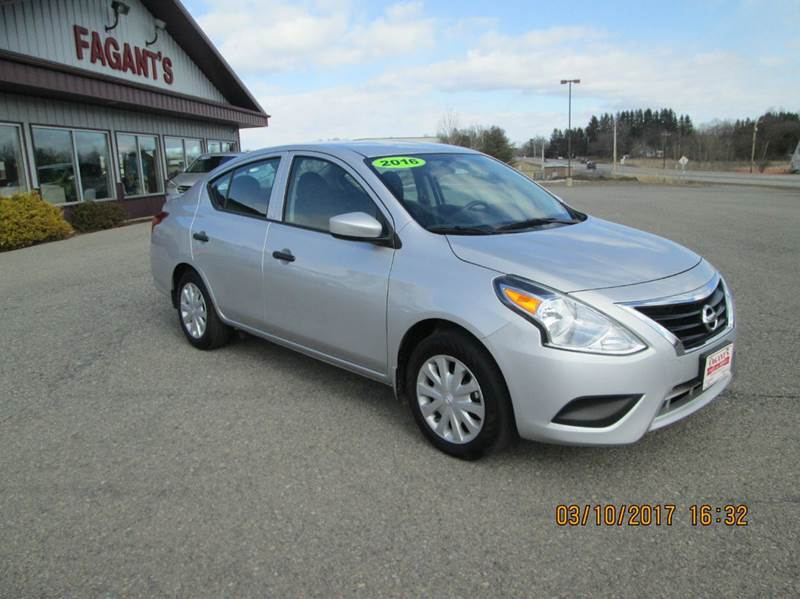 2016 nissan versa 1 6 s 4dr sedan 4a in johnstown ny fagants auto sales svc. Black Bedroom Furniture Sets. Home Design Ideas