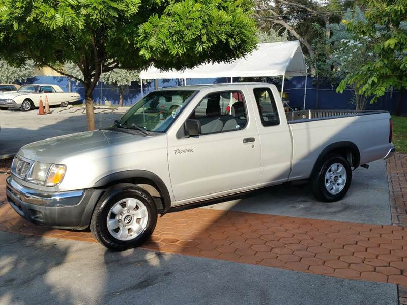 1998 nissan frontier 2dr xe extended cab sb in miami fl kar connection inc. Black Bedroom Furniture Sets. Home Design Ideas