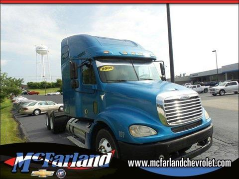 2005 Freightliner Columbia for sale in Maysville, KY