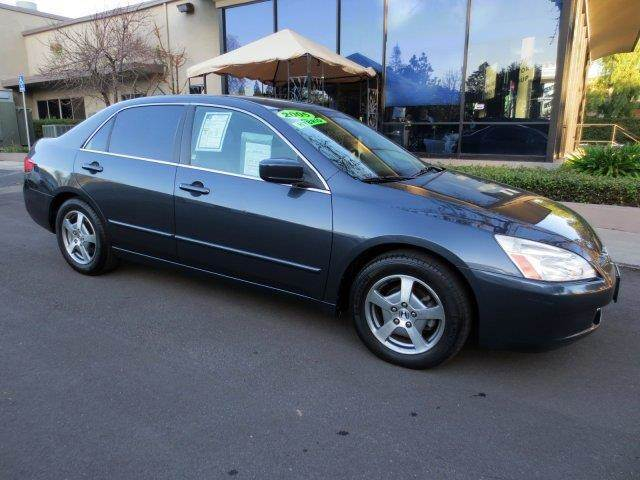 2005 HONDA ACCORD HYBRID 4DR SEDAN graphite pearl nicely equipped with  power seat  leather
