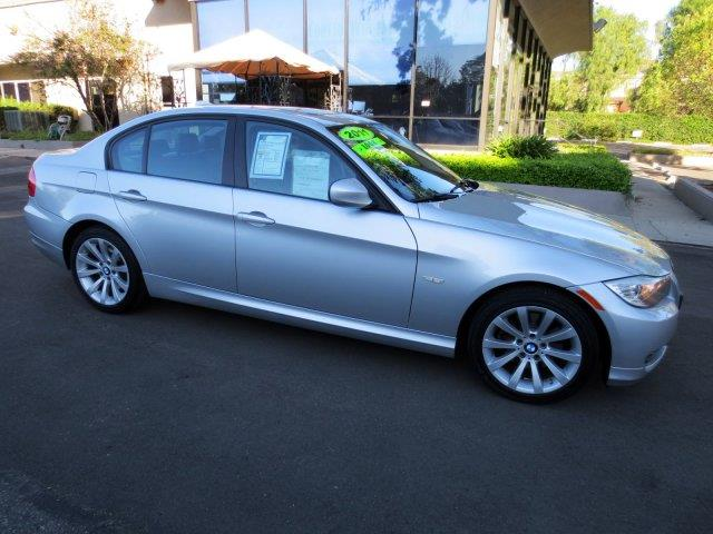 2011 BMW 3 SERIES 328I 4DR SEDAN SA SULEV titanium silver metallic fully factory equipped with