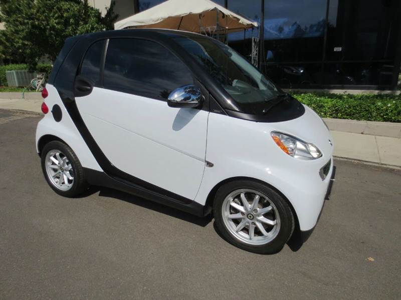 2008 SMART FORTWO PASSION 2DR HATCHBACK white nicely equipped with  navigation  leather  pa