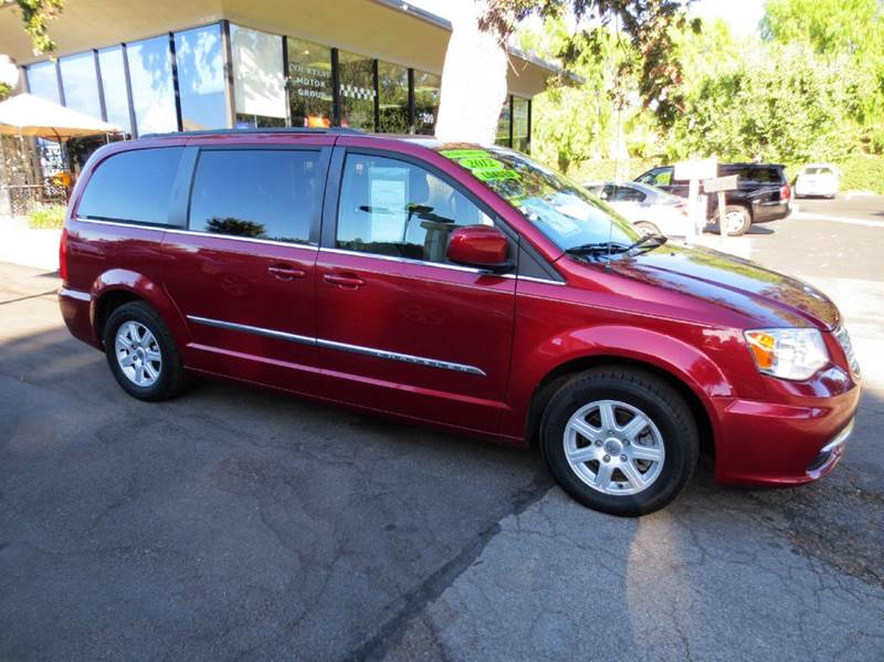 2012 CHRYSLER TOWN AND COUNTRY TOURING 4DR MINI VAN maroon  nicely equipped  with rear entertainm