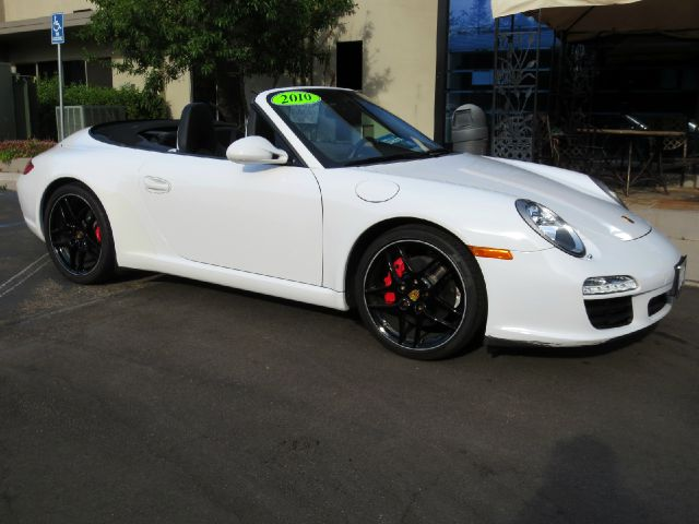 2010 PORSCHE 911 CARRERA S 2DR CONVERTIBLE white equipped with  bose premium sound  navigatio