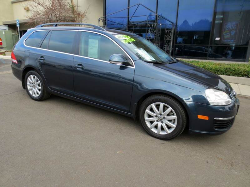 2009 VOLKSWAGEN JETTA SPORTWAGEN TDI 4DR WAGON 6A blue sharp and fuel efficient rated rated at m